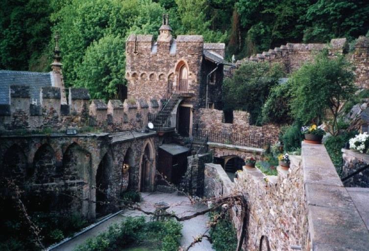 Картинки по запросу Замок Рейнштайн. Германия